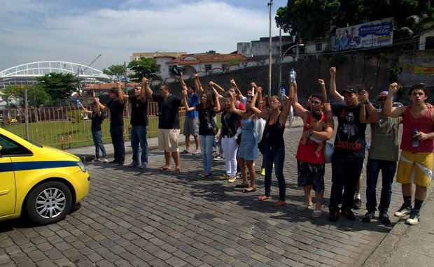 Amigos de Vinicius Romão de Souza (Foto: Paulo Brito/ Divulgação)