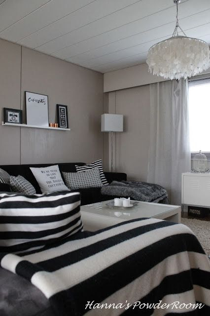 Living room Hanna's PowderRoom Blog