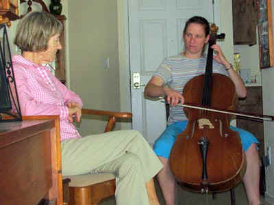 cello.jpg (47124 bytes)