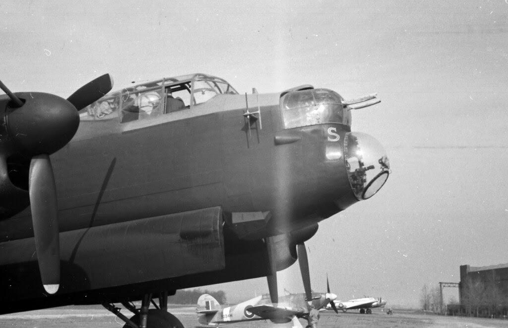 125 mission Lancaster 02