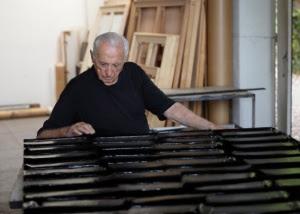 Le opere di Pierre Soulages sono presenti nella collezione artistica di Giancarlo Tonelli