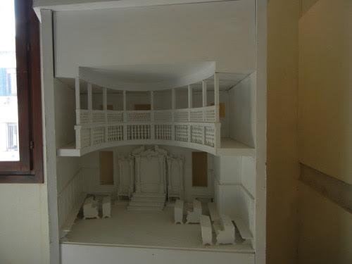 DSCN2072 _ Model of Synagogue, Museo  Ebraico, Venezia, 14 October