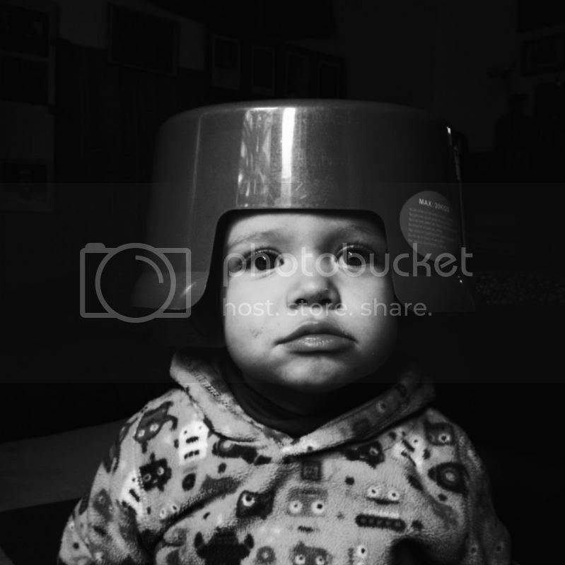 Niño con casco