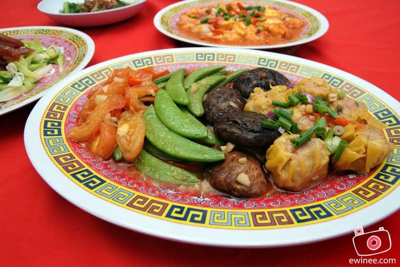 CHINESE-NEW-YEAR-REUNION-DINNER-2010-snowpeas-siu-mai