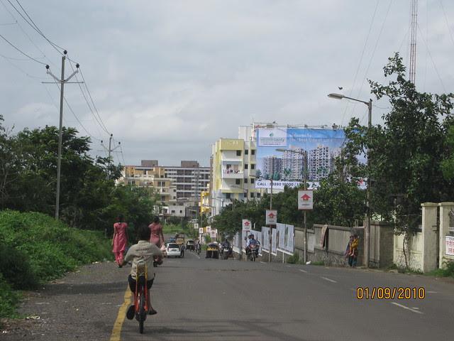 Darode Jog's Westside County Pimple Gurav Pune 411 027 - view of the road & Kalpataru Estate
