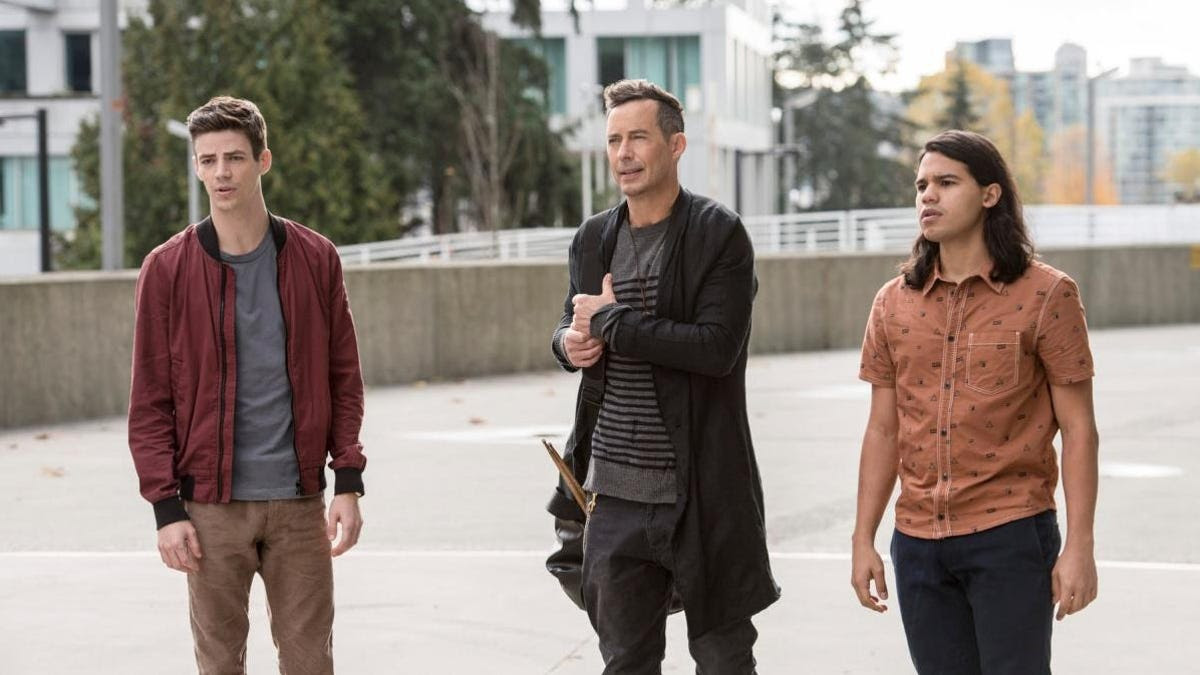 Tom Cavanagh is leaving The Flash (for real this time) along with Carlos Valdes