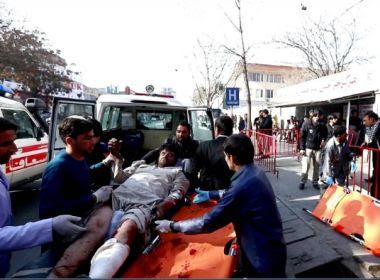 Sobe para 103 número de feridos em ataque com ambulância no Afeganistão
