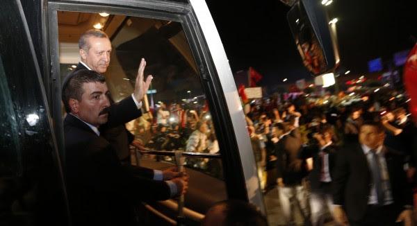 ΤΟΥΡΚΙΑ: Ο Ερντογάν οδηγεί σε πόλωση και σύγκρουση