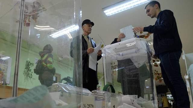 Избирательные участки заработали на Урале и ряде регионов Поволжья