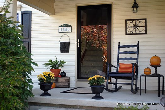 Transition Fall Decorating to Halloween Decorating on Your Front Porch