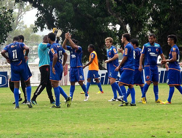 jogadores flamengo treino (Foto: Janir Júnior / Globoesporte.com)