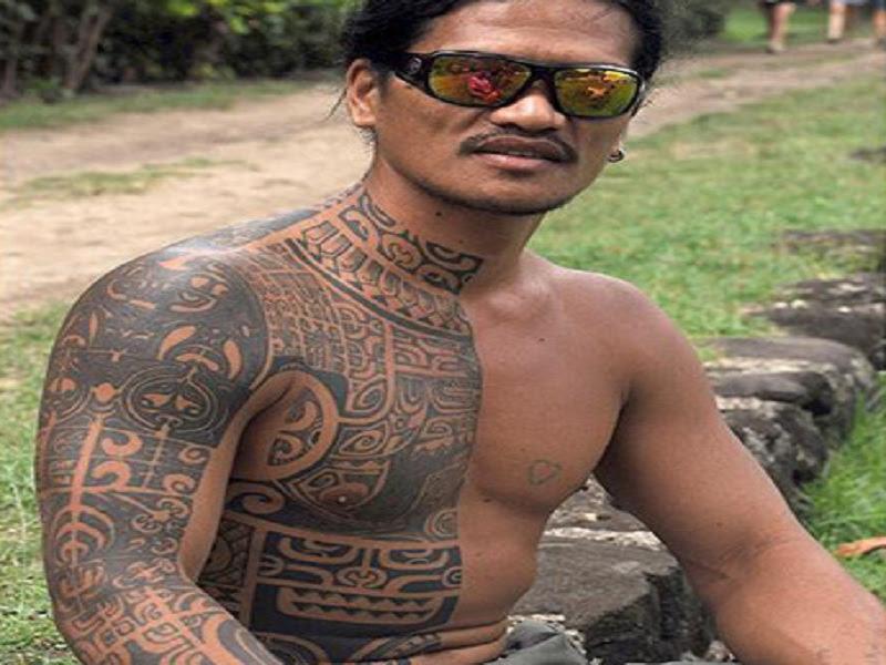 31 Cool Hawaiian Tribal Neck Tattoos