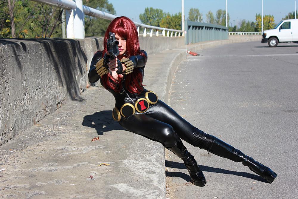 http://orig08.deviantart.net/d8e9/f/2013/273/5/f/black_widow_cosplay_by_naomi_vonkreeps-d6ooz5p.jpg