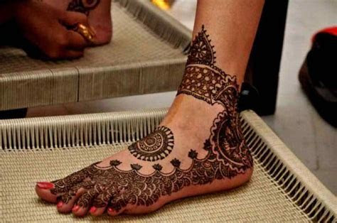 20 Stylish Circle Mehndi Designs Images ? SheIdeas