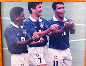 Foto Bebeto Romário Mazinho comemoração 94