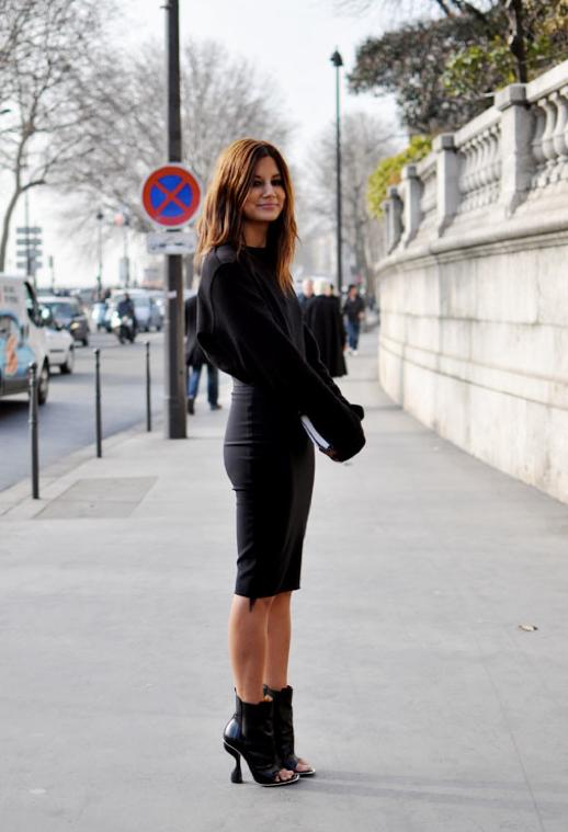 CHRISTINE CENTENERA BLACK OUT SKIRT ankle boots AUSTRALIA EDITOR HEELS SWEATER trendy crew street style, http://trendycrew.com/tag/christine-centenera/
