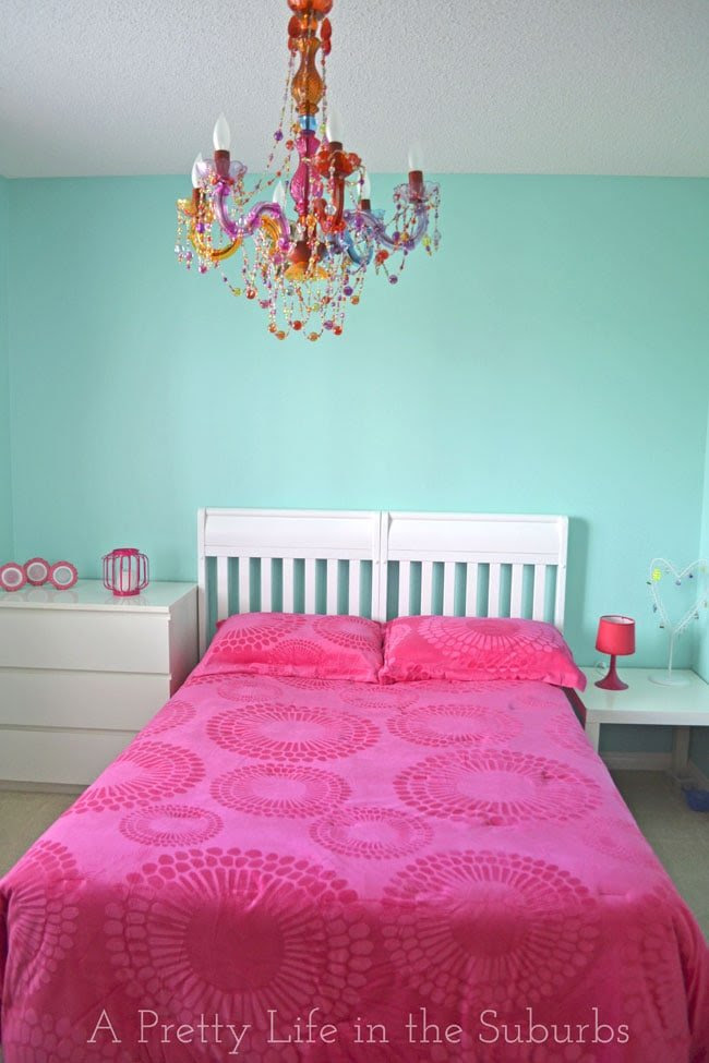 House Tour: My Daughter's Tween Room - A Pretty Life In The Suburbs