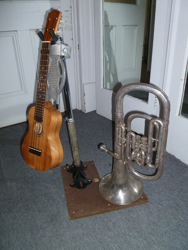 Alto Horn and Ukulele Stand