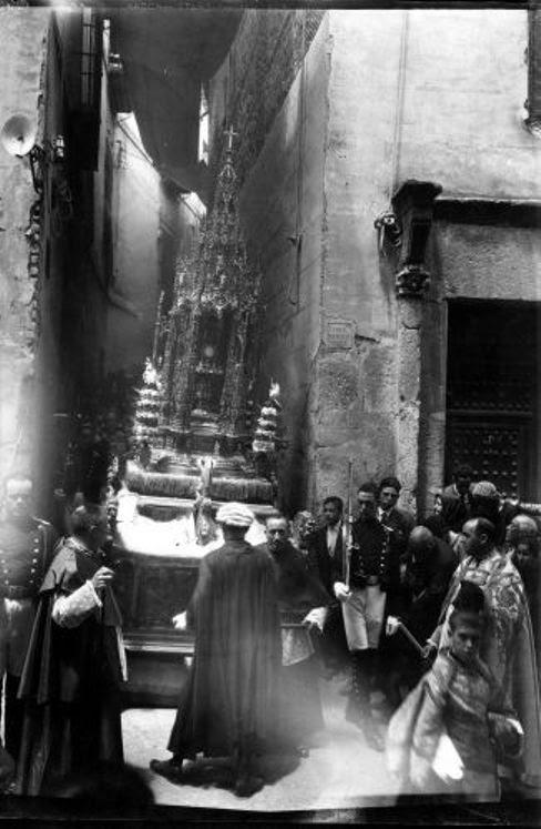 El Corpus en el Callejón de Jesús y María  © Fondo Rodríguez. Archivo Histórico Provincial. JCCM. Signatura CMB1-036-30