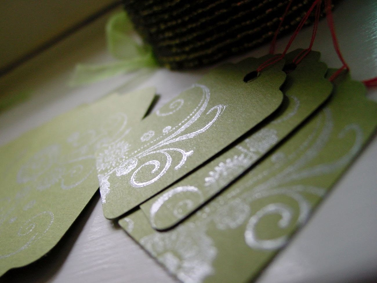 Arabesque gift tags - green with shimmering silver - set of eight