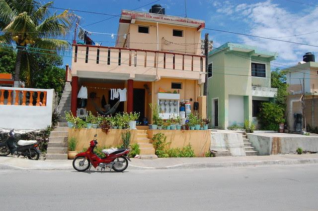 cancun_isla_mu_orange_house