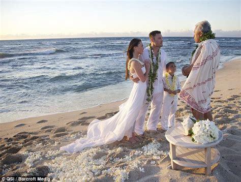 Pix & Video: Megan Fox Wedding Dress & Ring