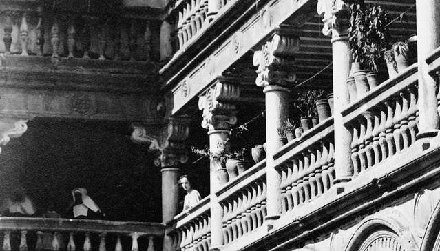 Claustro de San Pedro Mártir hacia 1870 fotografiado por Jean Laurent (detalle)