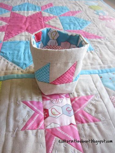 Sewing mat thread bag
