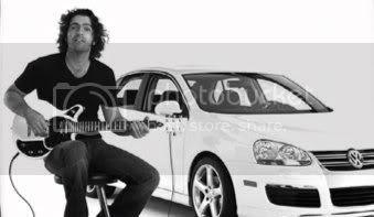 Dweezil Zappa demonstrates the First Act GarageMaster