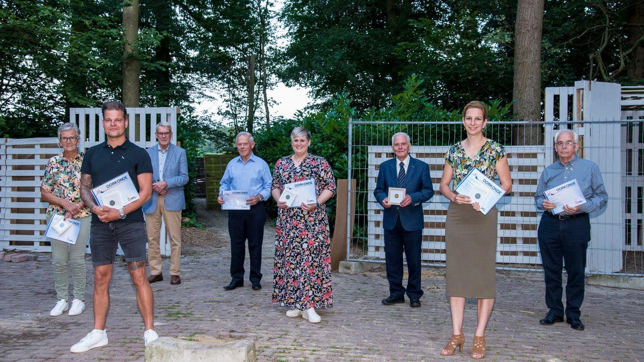 SIRIS.nl - Muziekvereniging Somerens Lust huldigde jubilarissen