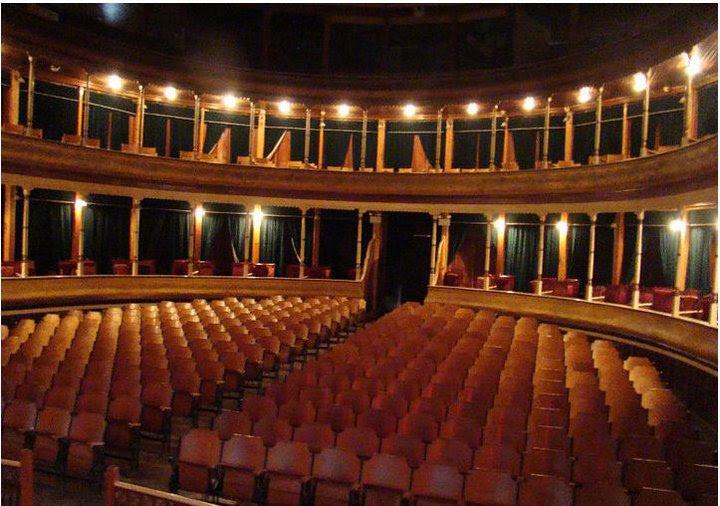 Interior del teatro municipal de Xela - Foto por Antoine De Saint Exupery