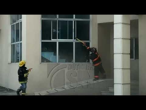 Vídeo, Monseñor Nouel : Un fuego afecta las instalaciones del    Palacio de Justicia