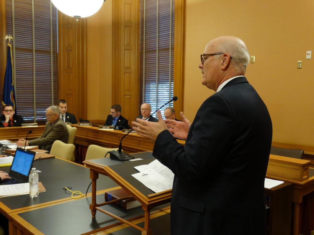 Bill Aims To Slow Revolving Door Between Kansas Officials And