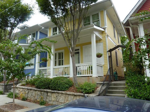 P1110974-2012-09-16-O4W-Tour-of-Homes-Rainbow-Row-oblique-deep-yellow-8