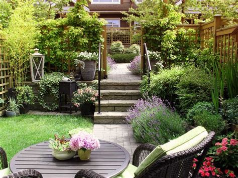 small garden  problem saga