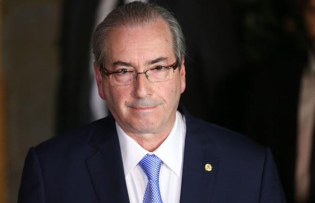 Eduardo Cunha concede entrevista sobre a decisão do STF de manter seu afastamento do mandato de deputado federal e da presidência da Câmara (Foto: Fabio Rodrigues Pozzebom/Agência Brasil)