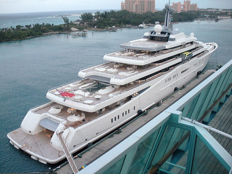 File:Eclipse docked in Nassau Jan 12, 2011.JPG