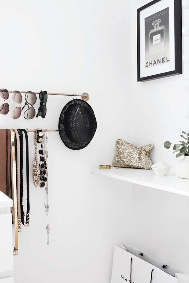 A Fashionable Home: Minimal And Bright Walk-In Closet -- Scandinavian Minimal Interior Design -- Storage Via Stylizimo -- photo 3-Le-Fashion-Blog-A-Fashionable-Home-Minimal-Bright-Walk-In-Closet-Scandinavian-Minimal-Interior-Design-Storage-Via-Stylizimo.png