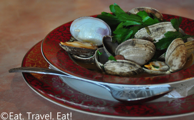 Sesame Grill: Clams in Garlic White Wine Sauce