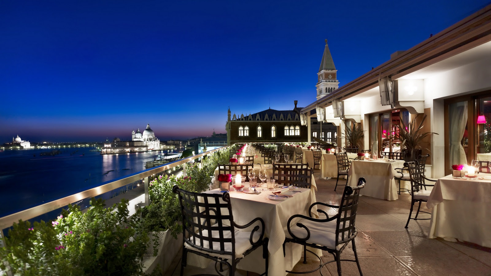 Restaurant Terrazza Danieli terrace by night Venice