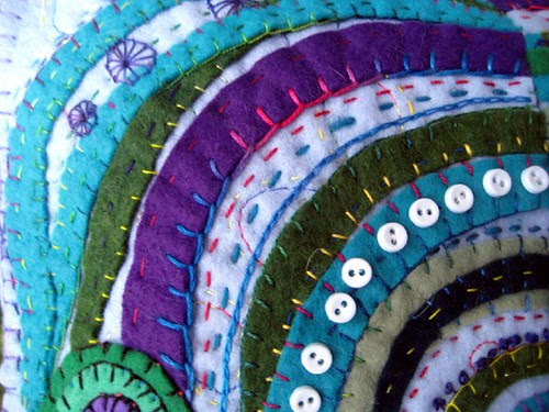 circles pillow detail