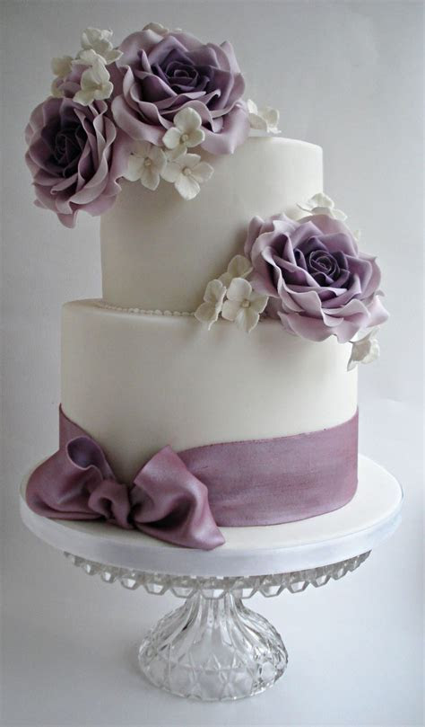 17 Best ideas about Rose Wedding Cakes on Pinterest   Red