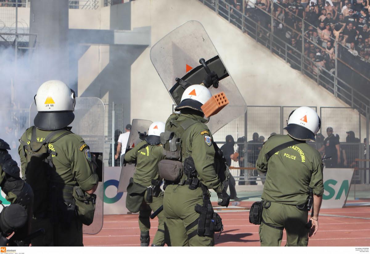 Αποτέλεσμα εικόνας για τραυματιες αστυνομικοι στον τελικο