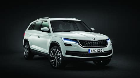 skoda kodiaq review  buying guide  deals