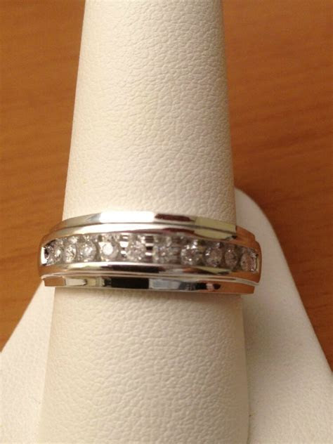 White Gold Mens Wedding Anniversary Round Diamonds Ring
