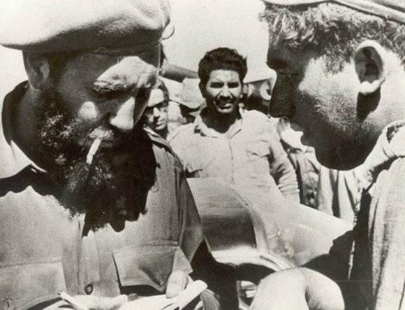 Fidel Castro y Luis Báez, en una imagen del archivo del diario Granma.