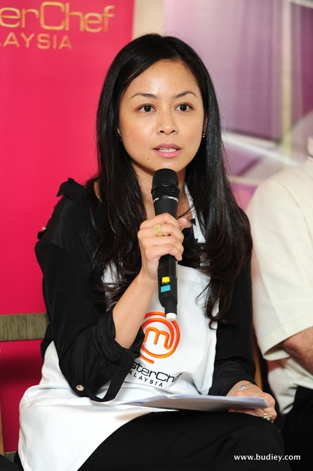 Pengurus Saluran Ria, Puan Azlin Reza Azmi (MCM)