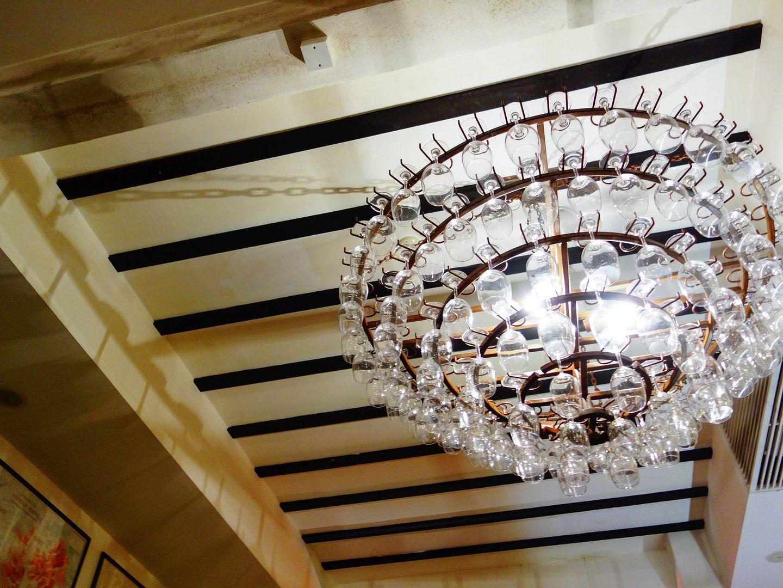 photo chandelier.jpg