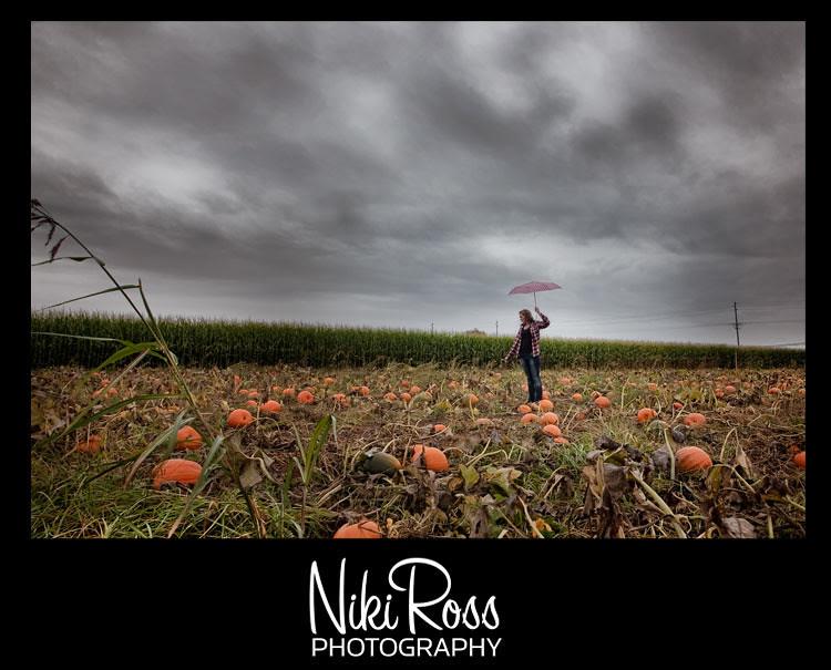 model-pumpkin-wide