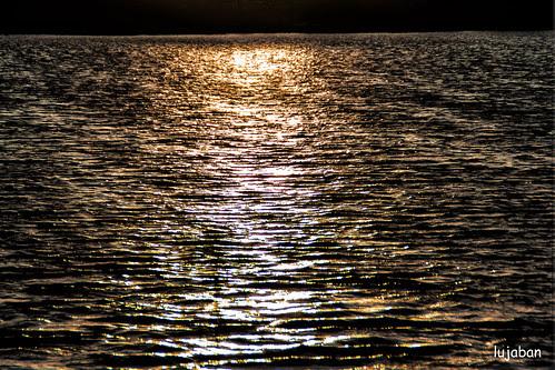 Dusk on the lake by lujaban